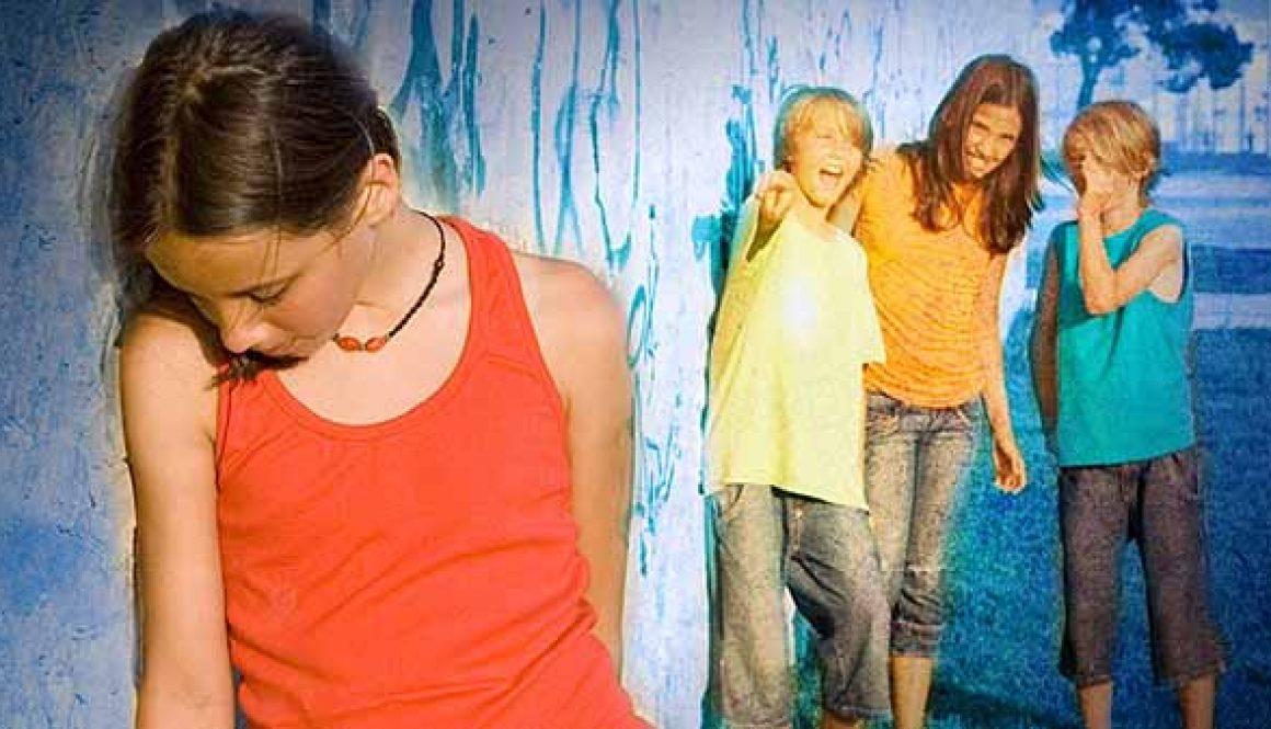 girl-bullying-clique1